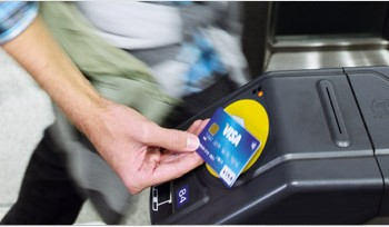 A contacless Visa card in use at Transport for London