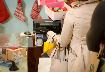 Barclaycard deploys contactless gloves