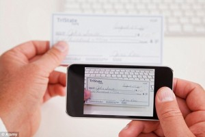 Lloyds to pilot mobile cheque deposits with business customers